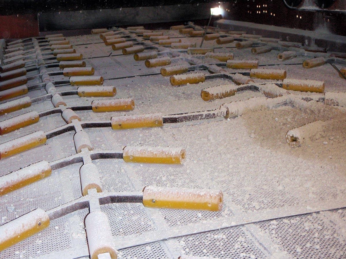 Čiščenje železnih sejalnih površin